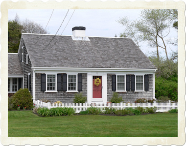 Antique House Plans on Small But Charming Cedar Shingled Cape Cod House That Caught My Eye